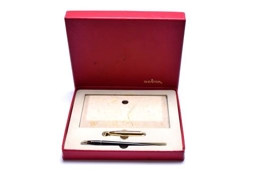 1960s Sheaffer Imperial with Desk Base Marble/Granite Stand 14K Semi-Flex EF Extra Fine Nib Fountain Pen