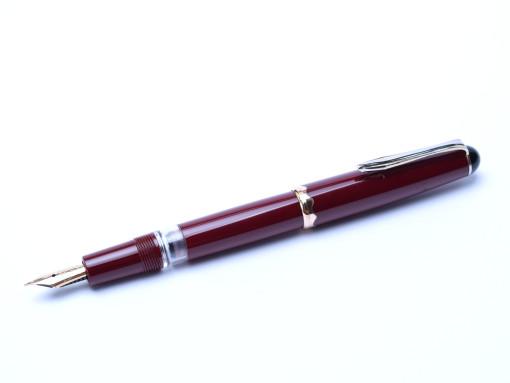 1953 MONTBLANC 042 042G Monte Rosa Burgundy Red Flexible 14K EF Nib Fountain Pen