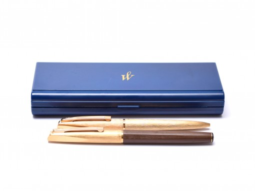 "1970s Waterman France (C/F) CONCORD Brushed ""Plaque OR G"" Brushed Gold Plated & Brown 18K Gold Nib Fountain & Ballpoint Pen Set In Box"