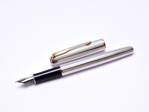 Rare 1994 Parker Sonnet Cascade Silver Plated Made for Audi F Fine Nib Fountain Pen Made in France