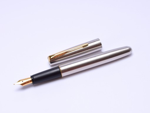 1998 Parker Frontier Flighter GT Brushed Matte Stainless Steel & Gold M Nib Converter Fountain Pen Made in USA