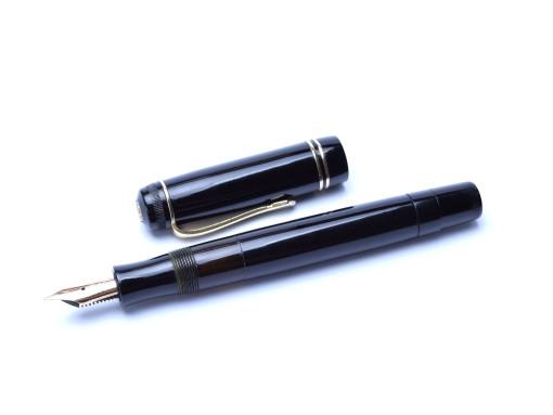 1930's Oversize Celluloid KAWECO DIA 90 F Fully Flexible 14K Nib Fountain Pen