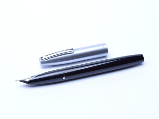 Sheaffer 440 Black & Matte Steel