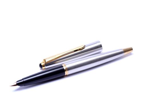 2001-2008 The Last Parker PARKER 45 Flighter UK Brushed Steel & Gold F Fine 14K Nib Fountain Pen
