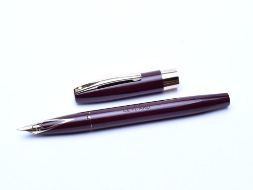 Sheaffer Imperial IV Touchdown Fountain Pen Dark Maroon Red