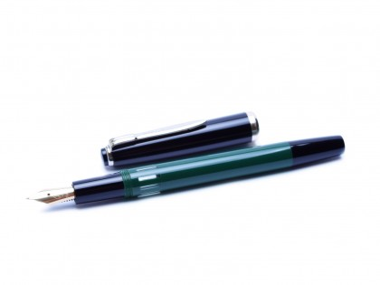 Rare 1960's Reform 4383 Round Green & Black 14K Gold Fully Flexible F to 3B Nib Fountain Pen