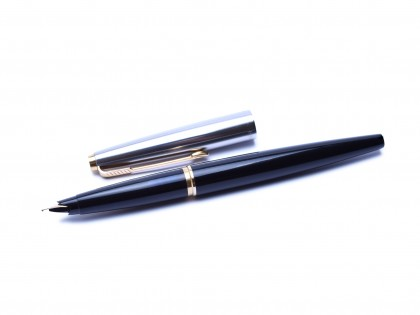 1960s Made in England PARKER 45 Standard Black & Stainless Steel Cap F Fine Flex 14K 585 Nib Fountain Pen