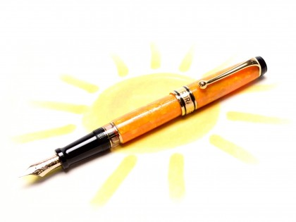 Beautiful Vintage Aurora SOLE Optima Limited Edition Yellow/Amber Orange Marble 14K Gold M Medium Nib Piston Fountain Pen