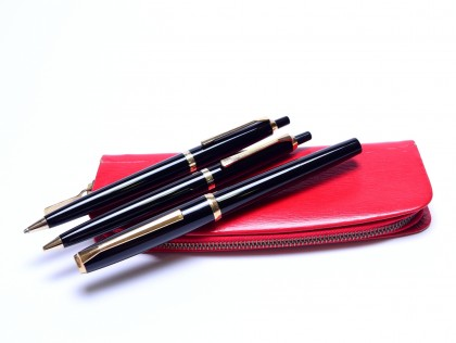 Rare 1973 Pelikan 30 (M30) Type 2 Rolled Gold & Black Resin 18K 750 HF Nib Fountain | Ballpoint and Mechanical Pencil Pen Set In Red Pelikan Pouch