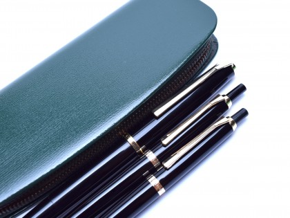 1960's Stunning Pelikan 30 Black Resin 14K EF Nib Fountain Ballpoint & Pencil Pen Set in Pouch