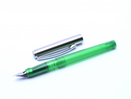 Rare 2000 Pelikan Pelikano P450 Green Transparent & Steel A/L Nib Cartridge Fountain Pen