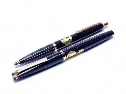 Stunning NOS 1960s Reform 4383 & 605 Anthracite Grey Triangular Flexible 14K 585 Gold Nib Fountain & Ballpoint Pen Set