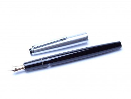 1960's MONTBLANC Monte Rosa 402 SG Flexible 14K Nib EF to BB Black Resin & Steel Slip On Cap Fountain Pen