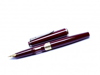 Rare NOS 1960s Reform 6488 Burgundy Red Round Hooded Gold EF Nib Fountain Pen