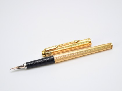 1977 Parker Imperial Godron 180 24K Gold Plated B/F Broad & Fine Two Sided 14K Nib Fountain Pen Made In France