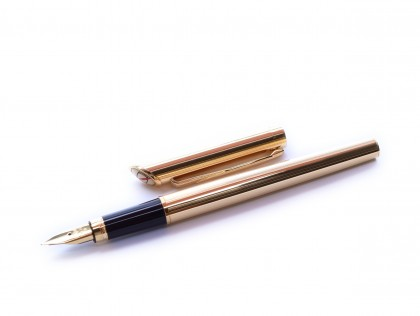 Rare Made in USA 1980s Quill 18k 750 Gold Filled Cartridge Fountain Pen with 18K Gold M Nib