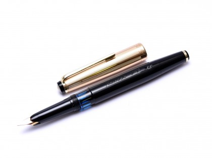 Amazing 1960s KAWECO V101 EF Flagship Masterpiece Black Resin & Rolled Gold 14K Soft Flex Nib Fountain Pen