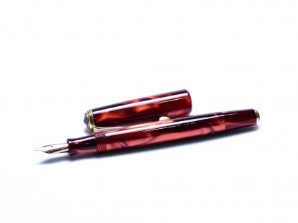 1960s CENTROPEN LADY Celluloid Deep Pearl Amber Red & Brown Flexible 14K Nib Fountain Pen