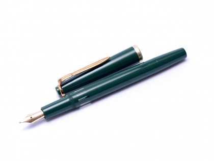 Rare 1960s Reform Germany 4328 Round Olive Green 14K Gold Flexible F to BB Nib Piston Fountain Pen