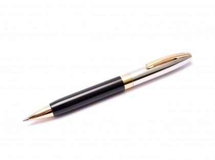 Sheaffer Legacy II Black Lacquer w/ Chased Palladium & 22K Gold-Plated Trim Twist Mechanism Ballpoint Pen
