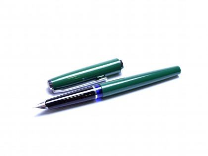 Rare 1965 All Green & Chrome Pelikan Pelikano 2nd Generation (MK10) Cartridge EF Nib Fountain Pen
