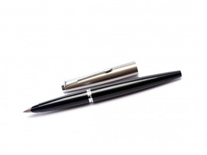 1960s Made in UK Parker 45 Student Black & Steel F Nib Fountain Pen With Original Converter