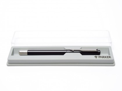 The Original 2002 NOS PARKER Vector Made in UK Classic Black & Matte Steel Rollerball Pen in Box with Refill