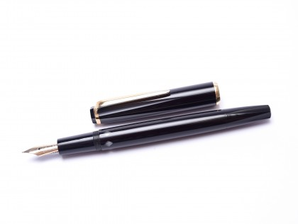 Rare 1968 Black Resin Hexagonal Montblanc Monte Rosa Fully Flexible 14K Gold OF Oblique Fine Nib Fountain Pen