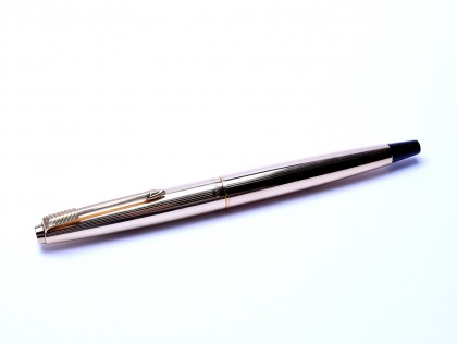 Rare 1960's Made in England PARKER 45 All Solid Rolled Gold Fountain Pen With B Broad 14K Nib