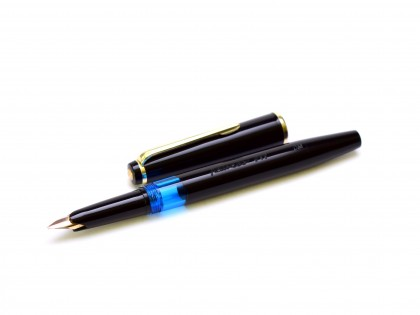 1960s KAWECO V11 Black Resin 14K OM Oblique Medium Flexible Nib Piston Fountain Pen