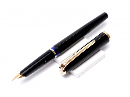 1970's Pelikan MK10 Airplane Safe Black Resin F Fine Nib Fountain Pen