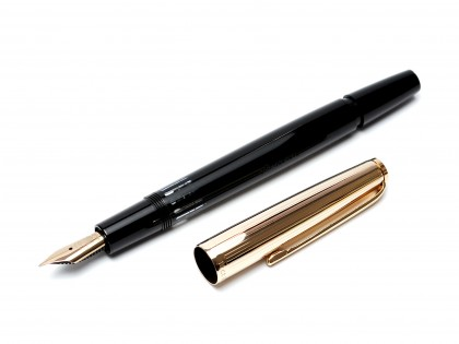 Vintage 1960s SENATOR 880 Germany Rolled Gold & Black Resin 14K Super Flex Nib Fountain Pen