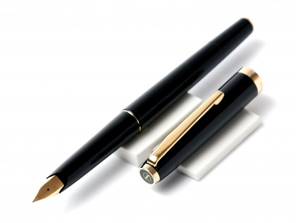 1970's GEHA No. 726 Rolled Gold Semi-Flex 14K Gold EF Nib Black Resin Fountain Pen