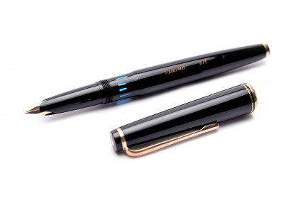1960's KAWECO V71 Masterpiece Black Resin Oversize 14K 585 Gold F Fine Nib Fountain Pen