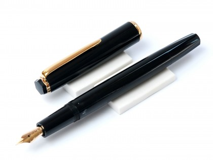 Rare 1968 Black Resin Hexagonal Montblanc Monte Rosa Fully Flexible 14K Gold EF-BB Nib Fountain Pen