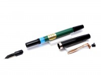 Rare 1980s Reform No.1745 Black & Green with Fully Flexible F to BB 14K 585 Gold Nib Fountain Pen