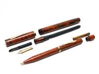 WATERMAN'S Ideal 7 Red Ripple Fountain Pen Set