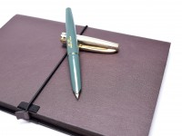 Rare & Unique 1970s WHITE FEATHER 71-2 Teal Army Green & Crosshatch Gold Cap Capillary Filling Cartridge EF 14K Gold Nib Fountain Pen