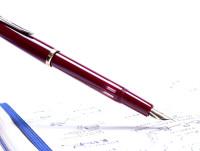 1960s Reform Germany 4328 Round Burgundy Bordeaux Maroon Red 14K Gold Flexible F to BB Nib Piston Fountain Pen