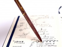Vintage Waterman Marbled Lacquered Grape Purple w/ Gold Plated Trim Push Upper Body Mechanism Ballpoint Pen