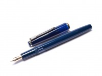 Rare Beautiful 1960s Reform 4328 Round Dark Navy Blue 14K Gold Flexible F to BB Nib Piston Fountain Pen