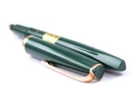 Reform 4383 Green Triangular Fountain Pen