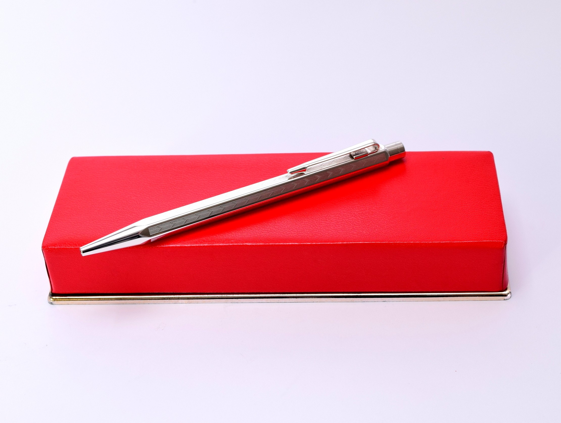 Caran  d/'ache   Pen      Box          Red